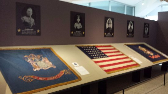 Trenton, NJ: World War 1 flags