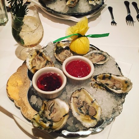 Shows a platter of oysters from The Capital Grill