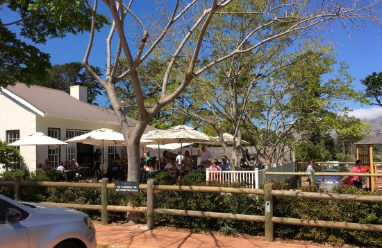 Constantia, Afrique du Sud : outside seating