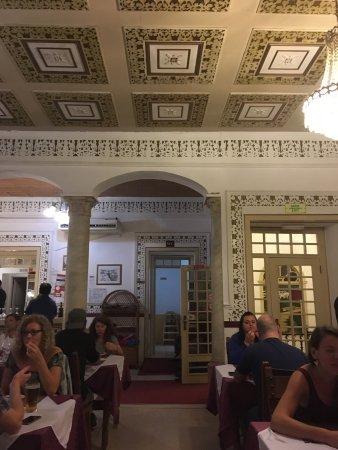 Restaurant Atrium : Delightful period interior