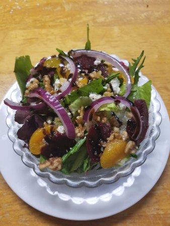 แอลตัน, อิลลินอยส์: New to our menu, our Beet Salad