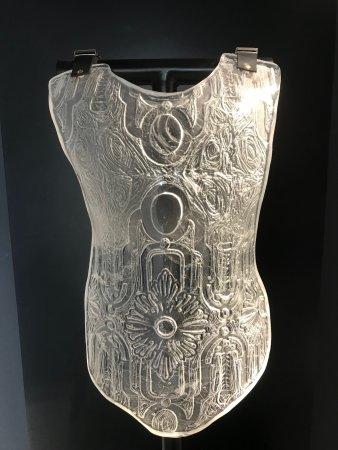 Sars-Poteries, Francia: Un corset