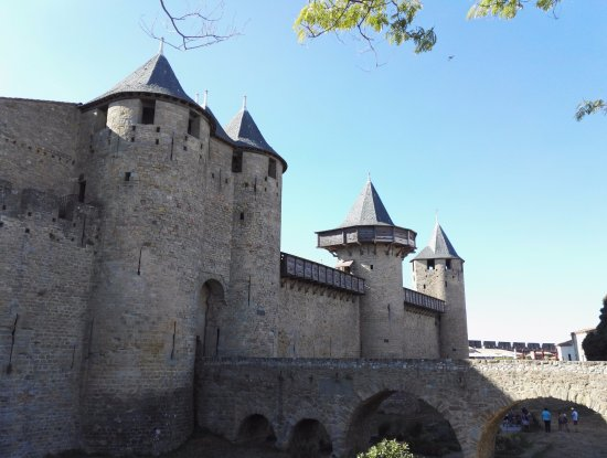 les remparts de la cit de carcassonne picture of chateau et remparts de la cite de. Black Bedroom Furniture Sets. Home Design Ideas