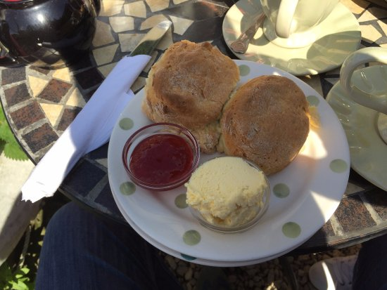 Lower Slaughter, UK: Scones