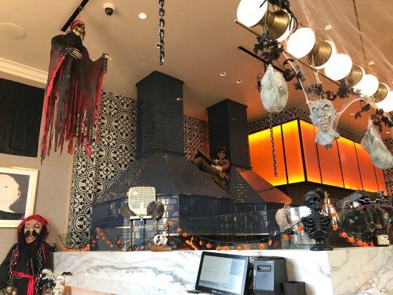 Irvine, CA: Great Halloween decorations