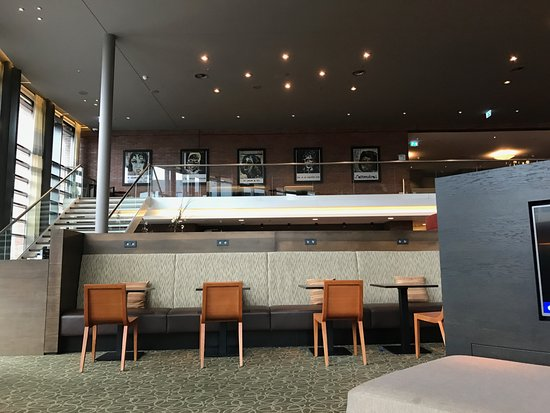 Hyatt Place Amsterdam Schiphol Airport: Lobby