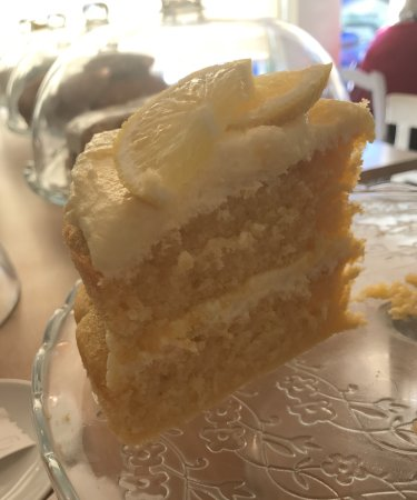 Brightlingsea, UK: Great coffee, freshly prepared food & homemade cakes!