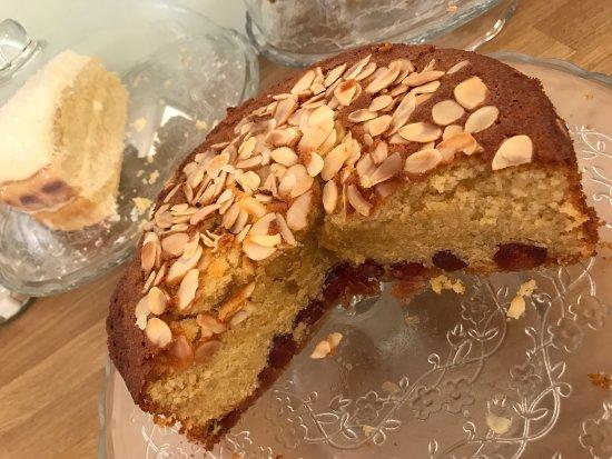 Brightlingsea, UK: Great coffee, freshly prepared food & homemade cakes!