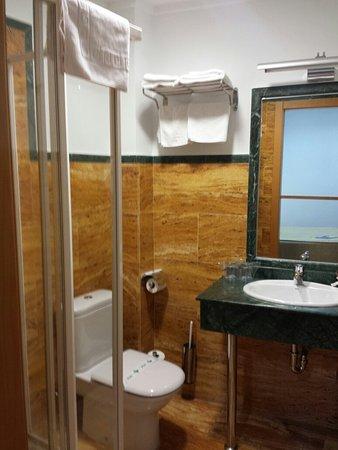 Mazarron, Spagna: Cuarto de baño. ..Hotel La Galerica.