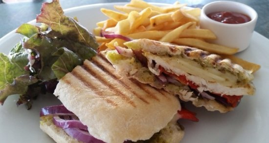 The Bay House Restaurant & Bar: Grilled Chicken Panini