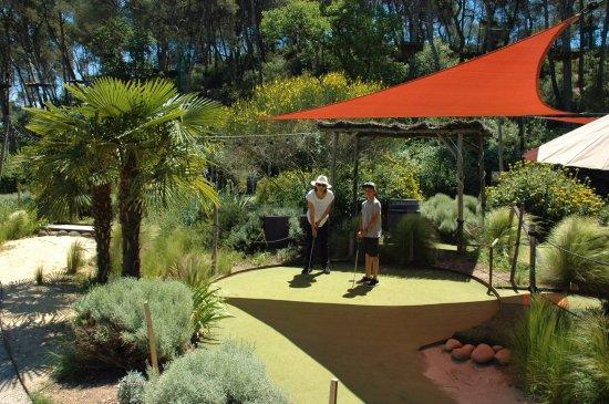 Bouc-Bel-Air, Γαλλία: Mini Garden Golf  - Trou N°16