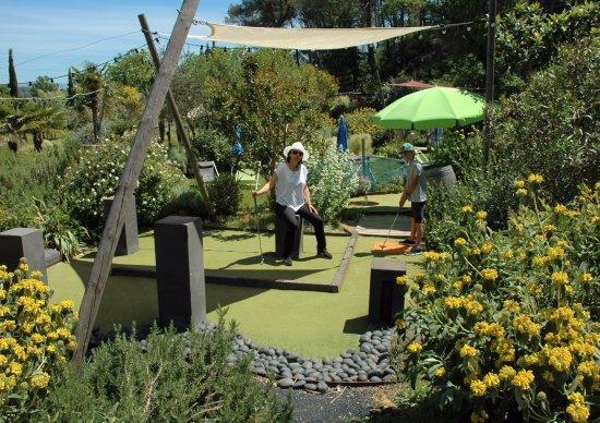 Bouc-Bel-Air, Γαλλία: Mini Garden Golf  - Trou N°15