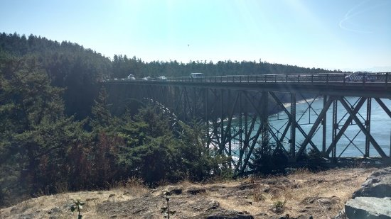Oak Harbor, WA: bridge