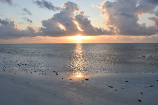 Makunduchi, แทนซาเนีย: alba dalla spiaggia privata