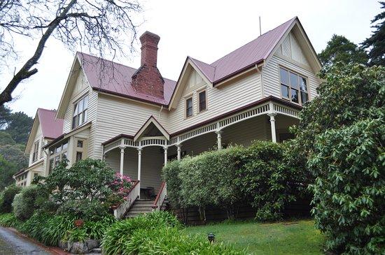 Franklin Manor: Le manoir vu depuis la grille d'entrée