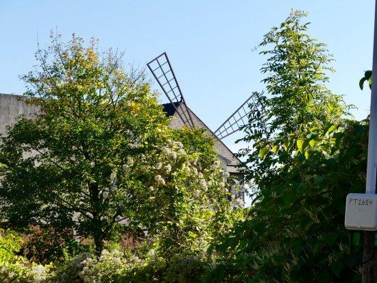 Sannois, Frankreich: Le moulin vue de derrière
