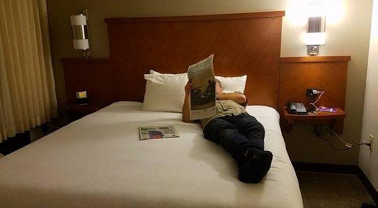 HYATT house Atlanta/Cobb Galleria: confortable pillows