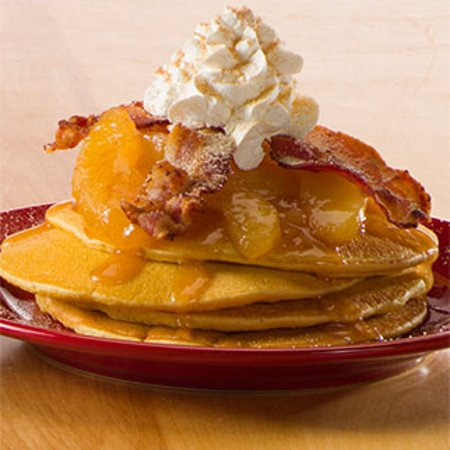 Bowling Green, OH: Apple Bacon Pancakes