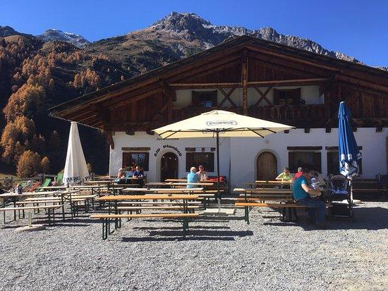 Malles Venosta, Italia: Blick auf die Hütte
