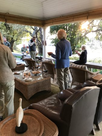 Mala Mala Private Game Reserve, South Africa: Breakfast before drive