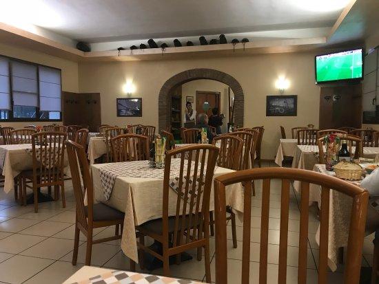 Cavaion Veronese, Itália: Sala pranzo interna