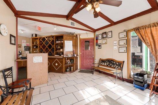 Bastrop, TX: Inside Entrance 2016