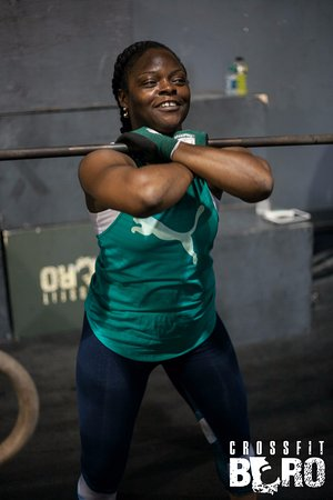 Statesboro, Georgien: Shnara doing a front squat