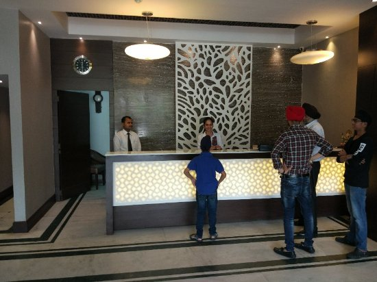 Imperial Executive Hotel: IMG_20171003_122944_large.jpg