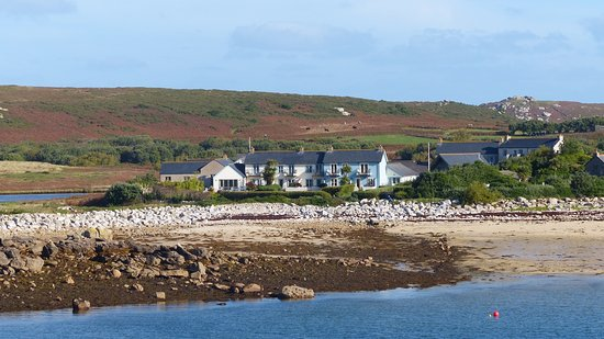 Bryher, UK: The hotel beside the beach