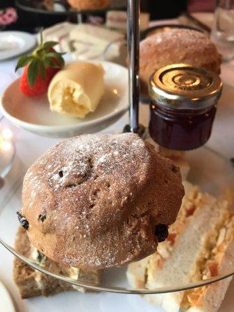 Pangbourne, UK: tier 2 plain and fruit scones, clotted cream and Jam.
