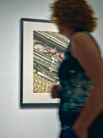 Brea, Kaliforniya: Motion in Gallery