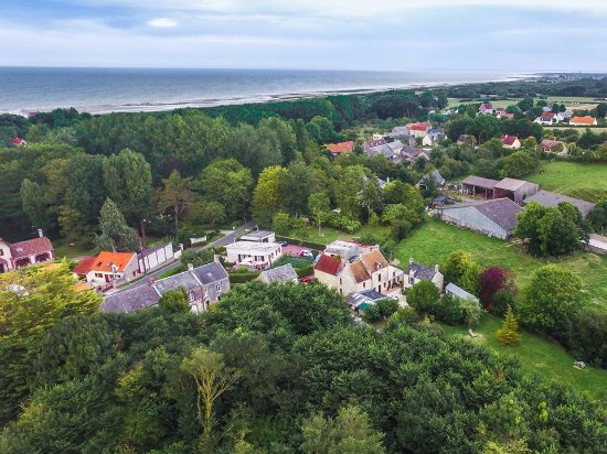 Ver-sur-Mer, فرنسا: Vue aérienne du Mas Normand