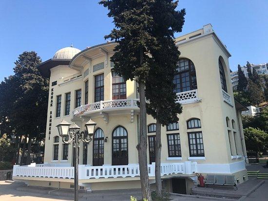Izmir Devlet Tiyatrosu