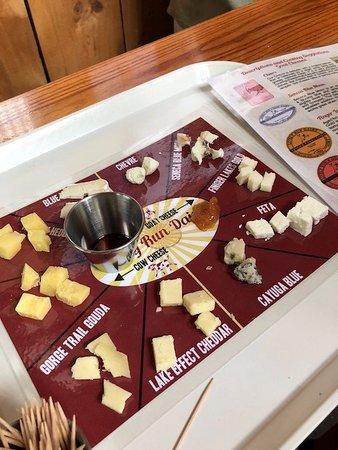 Interlaken, NY: Cheese tasting