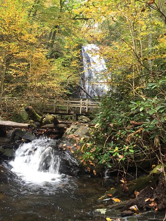 Burnsville, NC: View of Crabtree Falls from the trail