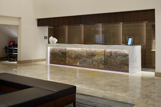 Windsor, CT: Front Desk