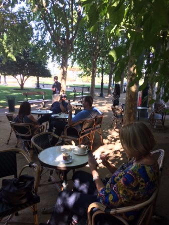 Rutherford, CA: Inglenook cafe