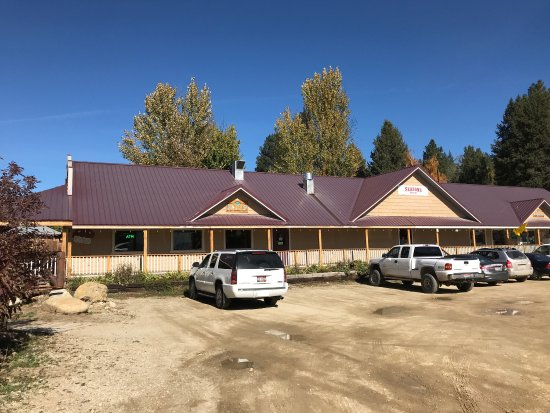 Idaho City, ID: Seasons Mountain Dining & Grocery & Rentals