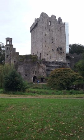 Blarney Castle & Gardens: The Blarney Castle tower house is one of the most popular tourist attractions in Ireland.