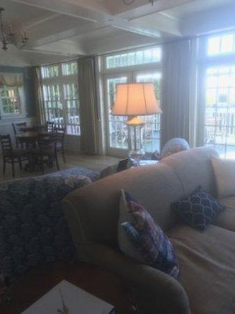Stonington, CT: Main living room