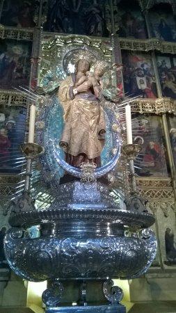Catedral de Sta María la Real de la Almudena Photo