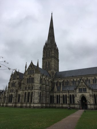 Salisbury Cathedral and Magna Carta照片