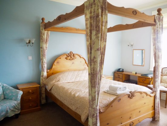 Old Manse Hotel: Bed