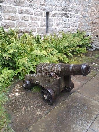 Cawdor Castle: Cawdor Casle - um dos muitos objetos históricos