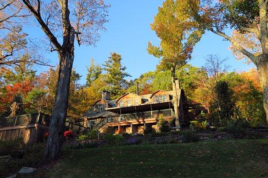 Tannersville, NY: Back of the Inn