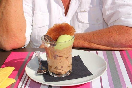 Chapaize, France : Dessert duo menthe chocolat