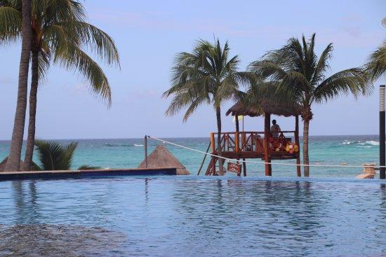 Grand Fiesta Americana Coral Beach Cancun: 1st pool (c)