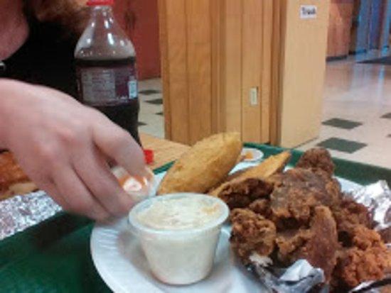 Hagerstown, Μέριλαντ: Farmer's Cookhouse Chicken Livers