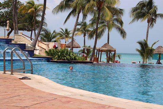 """Grand Fiesta Americana Coral Beach Cancun: 2nd pool """"infinity"""" edge"""