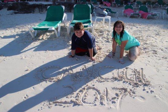 Grand Fiesta Americana Coral Beach Cancun: looking back towards chairs